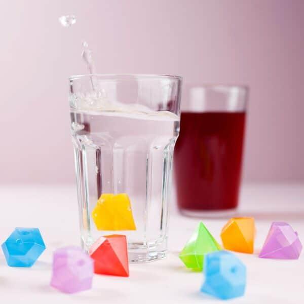456961 Diamond Ice Cubes 1 klaverHand